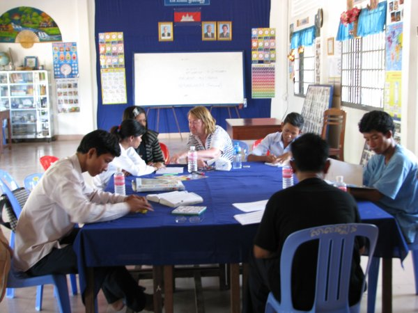 Margaret's English class at Khvien school