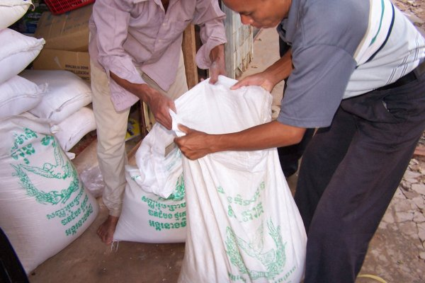 Splitting a 50kg sack of rice into two deliveries